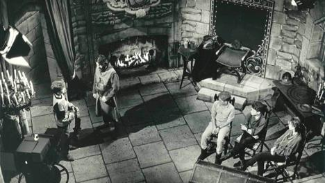 Banner of the Knightmare antechamber set during the pilot episode.