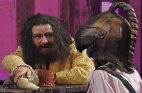 Knightmare Series 7 Team 4. A disguised Sylvester Hands gives Naila a horn.