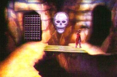 A knight crosses a bridge under pressure in Le Chevalier du Labyrinthe.