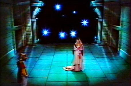 A knight reaches a starry background in Le Chevalier du Labyrinthe.