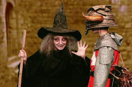 A witch in the second series of El Rescate del Talisman.