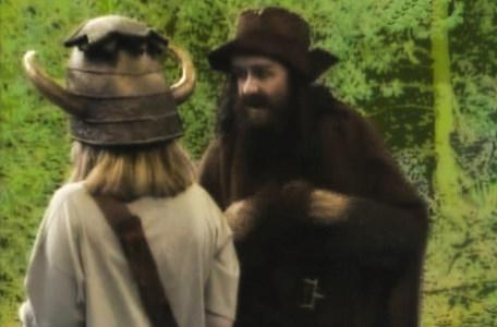 Knightmare Series 5 Team 9. Kelly is approached by Sylvester Hands.