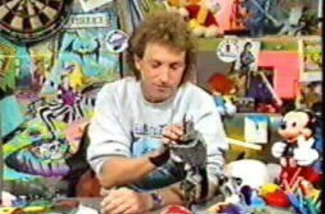 Children's ITV 1992: Tommy Boyd in the studio.