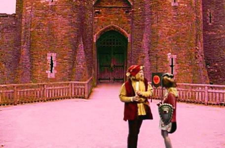 Knightmare Series 6 Team 4. January trades with Julius Scaramonger in a castle courtyard.